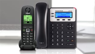 Connecting a VoIP phone